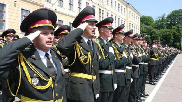 Через війну випуск офіцерів в Академії сухопутних військ буде на 4 місяці раніше