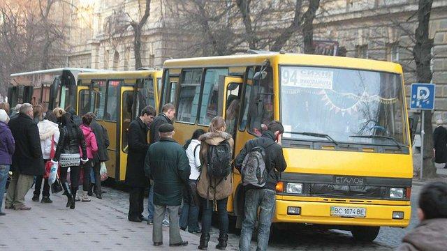 З квітня проїзд у міжміських і приміських маршрутках на Львівщині подорожчає на 40%