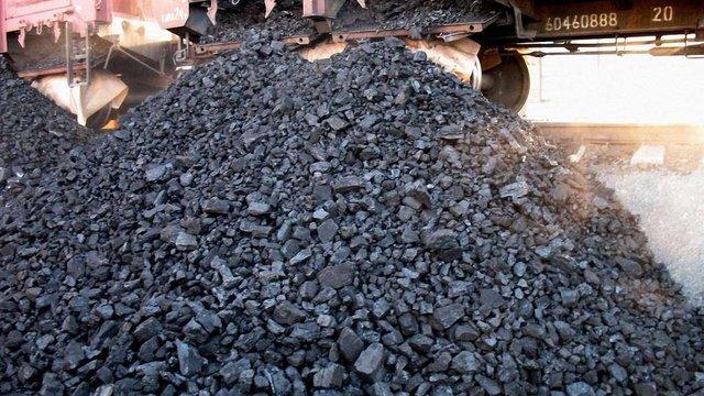 Бойовики продовжують вивозити фурами вугілля в Росію