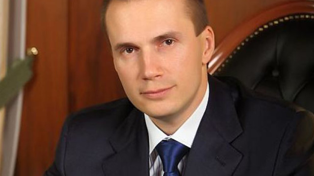Олександр Янукович розповів, чому його брата поховали в Криму
