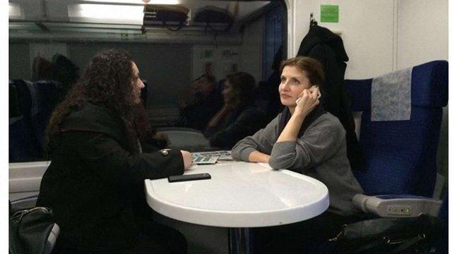 Відоме фото дружини Порошенка у потязі опублікував інтернет-бот