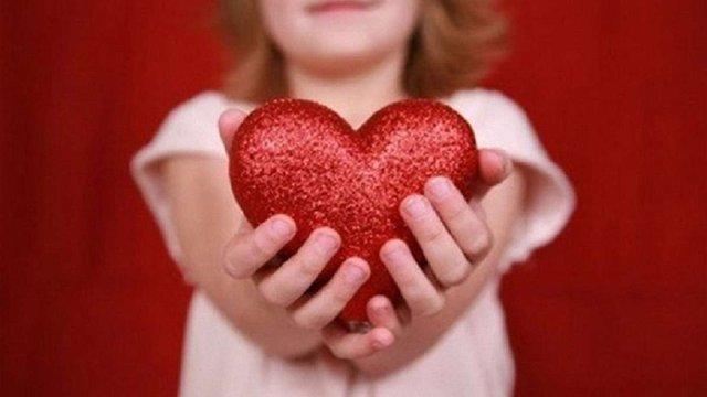 """""""Серце до серця"""": львів'ян закликали жертвувати гроші на порятунок важкохворих дітей"""