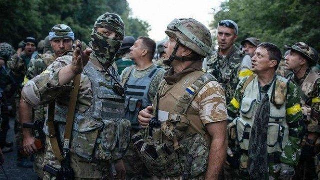 Депутати надали статус учасника бойових дій  військовим добровольцям