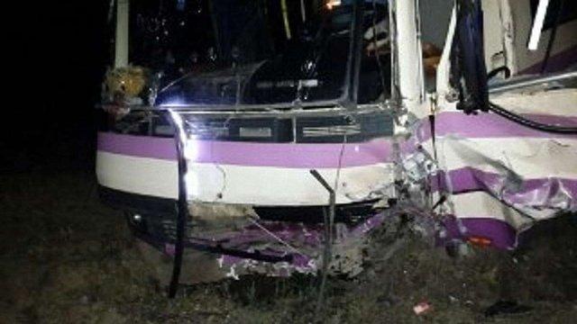 Внаслідок аварії маршрутки на виїзді зі Львова постраждали 10 людей