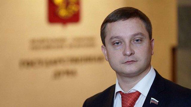 Держдумі РФ пропонують ввести в Україну російські війська для «захисту братнього народу»