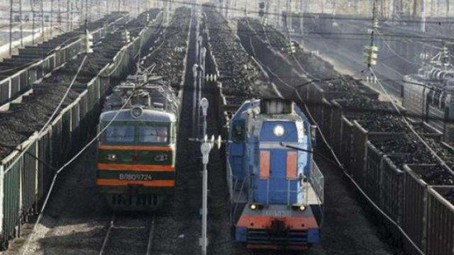 Прикордонники затримали при виїзді з окупованих районів Донбасу 180 вагонів вугілля і металу