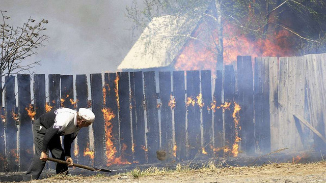 Через масові пожежі у російській республіці Хакасії загинули 4 людини, 76 отримали опіки