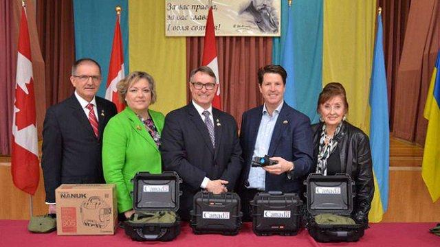 Канада приготувала для бійців АТО 238 приладів нічного бачення на $1 млн