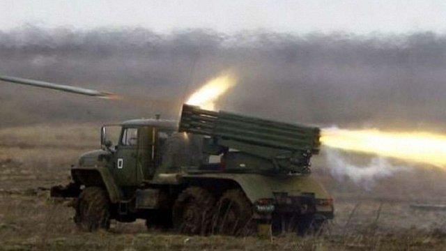Бойовики стріляли з «Градів» і мінометів в декількох населених пунктах, – штаб АТО