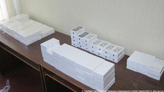 На Сумщині зловили українця, який вивозив до РФ «айфони» на суму майже ₴1 млн