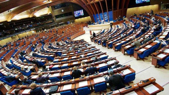 ПАРЄ перенесла питання поновлення права голосу Росії на літню сесію
