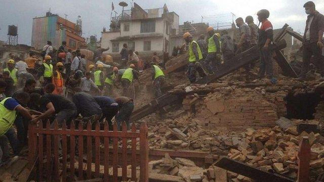 МЗС перевіряє, чи є серед постраждалих від землетрусу у Непалі українські громадяни