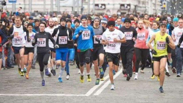 Під час марафону в Києві госпіталізували 12 учасників