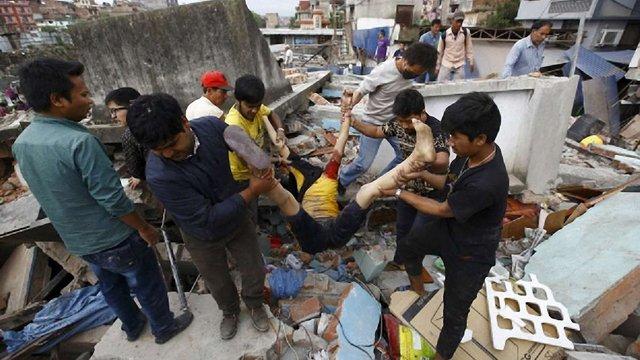 У Непалі оголосили триденну жалобу за жертвами землетрусу