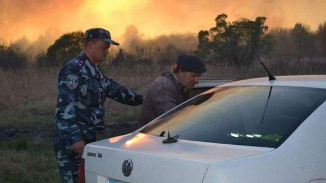 Через лісову пожежу правоохоронці евакуювали самоселів з Чорнобильської зони