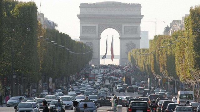 Єврокомісія має намір подати на Францію до суду за брудне повітря