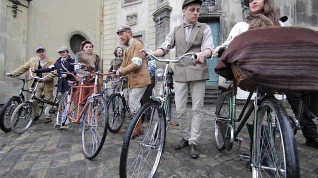 До Дня батяра у Львові відбувся ретро-велозабіг