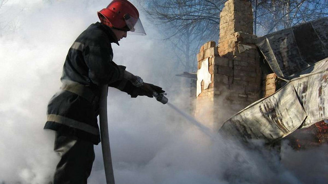 У Львові загорілась прибудова житлового будинку