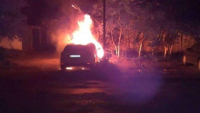На Закарпатті спалили автівку депутата