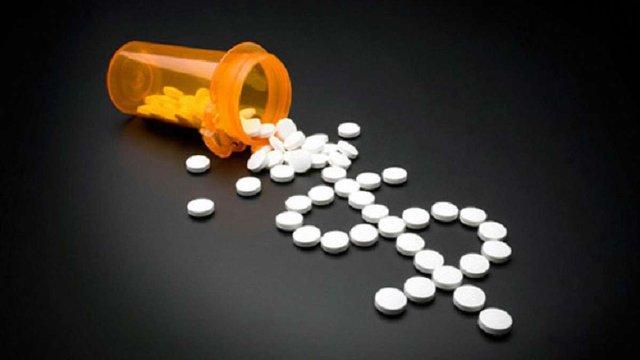 Порошенко скасував ПДВ з імпорту деяких ліків