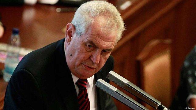 Президент Чехії похвалився Путіну, що не підтримував санкції ЄС проти РФ