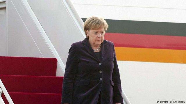 Меркель прилетіла до Москви говорити про Україну