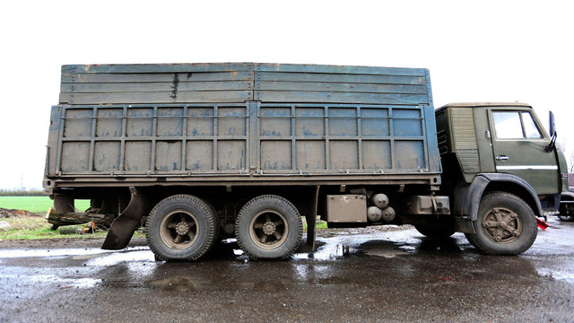 Прикордонники затримали ще 52 вантажівки з контрабандою для бойовиків