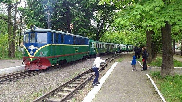 У Львові на дитячій залізниці зійшов з рейок один з вагонів потяга