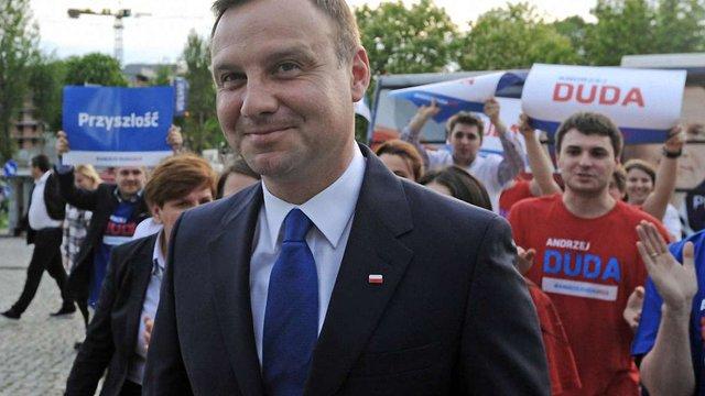 Опозиційний кандидат несподівано став лідером першого туру виборів президента Польщі