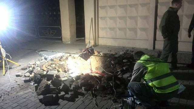 В Одесі терористи намагалися вибухом знищити комунікаційний колодязь