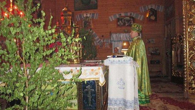 УГКЦ закликала вірян не прикрашати з нагоди П'ятдесятниці домівки та храми зеленими гілками