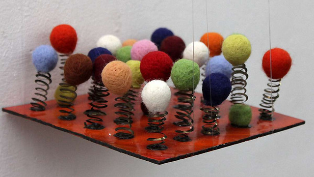 У Львові експонують твори міні-текстилю