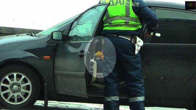 П'яний водій звинуватив інспекторів ДАІ в отриманні $50 хабара