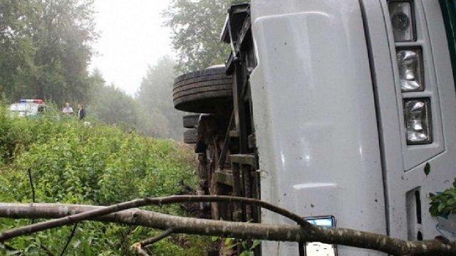 На Вінниччині перекинувся рейсовий автобус, загинули троє пасажирів
