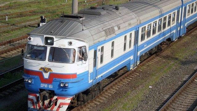 Через крадіїв металу на Львівщині ледь не зійшов з рейок пасажирський поїзд