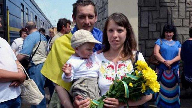 До Львова повернулися двоє звільнених з полону нацгвардійців