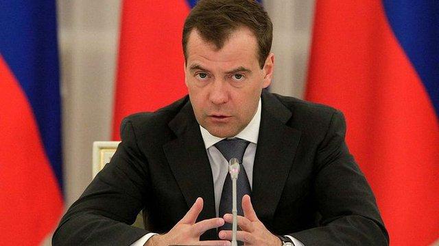 Росія займе максимально жорстку позицію, якщо Україна відмовиться повернути борги, – Медведєв