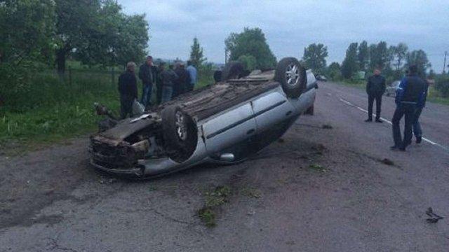 На Жовківщині п`яний водій врізався в авто міліціонера: троє осіб травмовано
