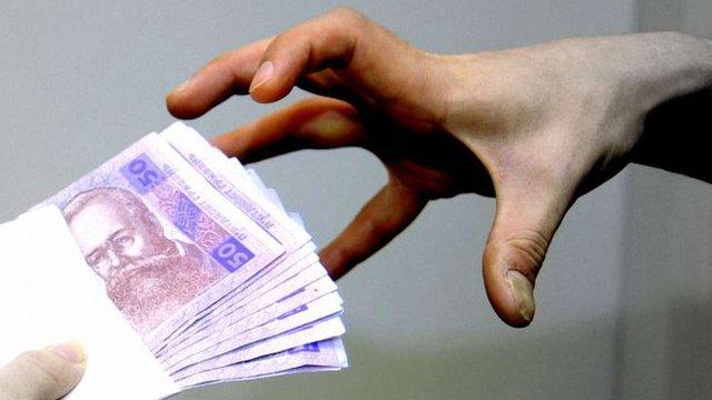 Правоохоронці затримали податківця за ₴2,2 млн хабара