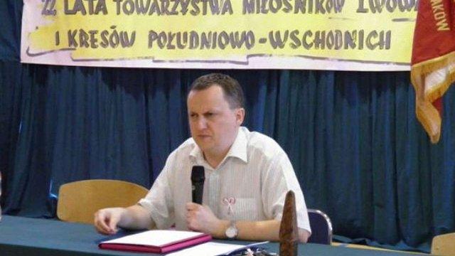 У Польщі професора, який поглумився з убитих українських бійців, поновили на роботі