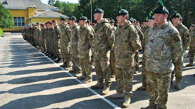 Українці вчать НАТО, як воювати у гібридній війні, - Генштаб