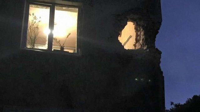 У Донецьку снаряд влучив у квартиру