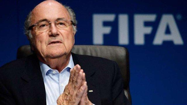 Блаттер подав у відставку з поста президента ФІФА