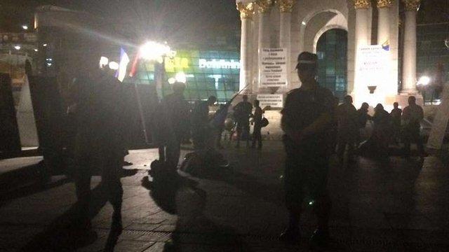 Вночі на Майдані Незалежності невідомі у балаклавах знесли намети активістів