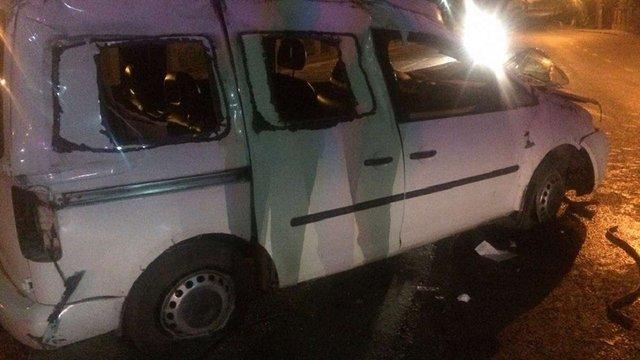 Поблизу Львова перекинувся Volkswagen Caddy: постраждали водій і пасажир