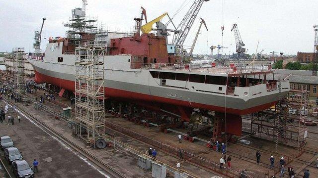 Російська суднобудівельна компанія погрожує Україні судом за зрив поставок двигунів