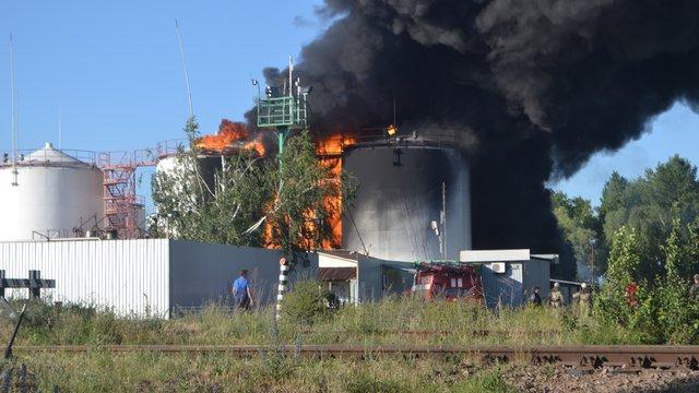 Внаслідок пожежі на нафтобазі «БРСМ-нафта» загинула людина, ще п'ятеро постраждали (відео)