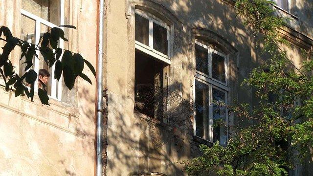 Нетверезий львів'янин ледь не згорів у власній квартирі