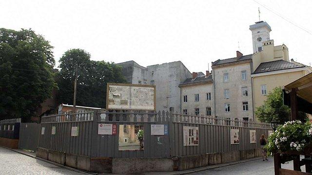 Замість «бункера» - фасад ХІХ століття