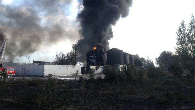 На нафтобазі під Києвом вибухнули ще два резервуари